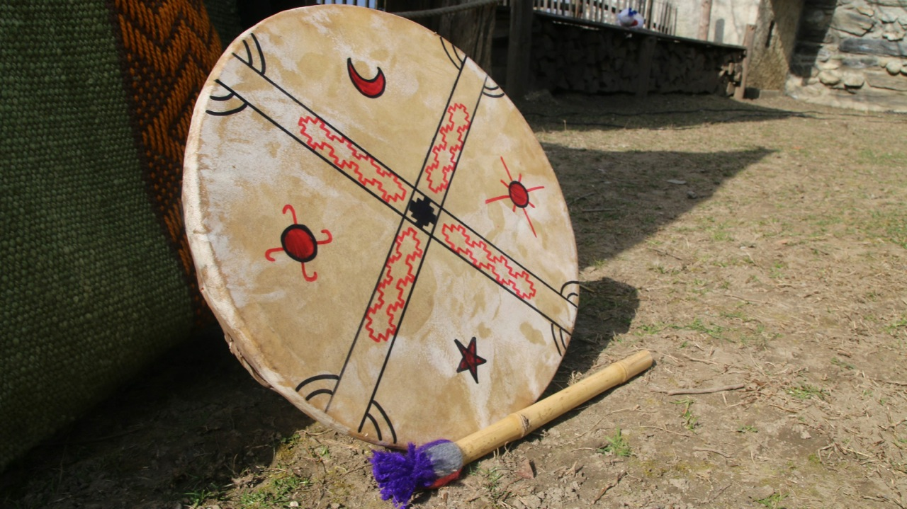 spectacle-theatre-contes-kultrun-mapuche6